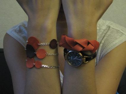Bracelets en cuir et chaîne