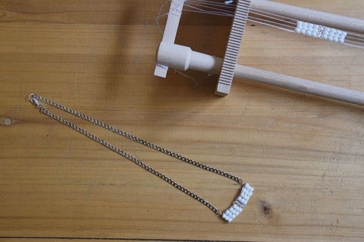 tissage-collier-minimaliste